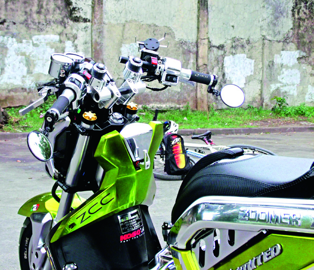 HONDA Zoomer-X Chromium : the Stretched-out Hyper Show Scoot from