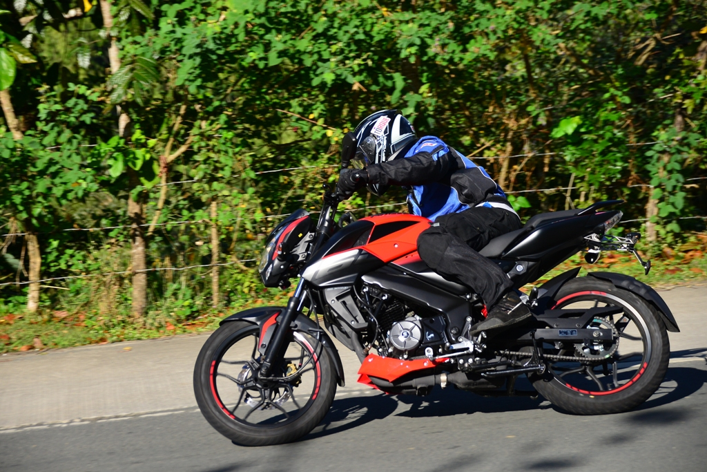 Bajaj Pulsar RS 200 and NS 200 Receive New Colour Options