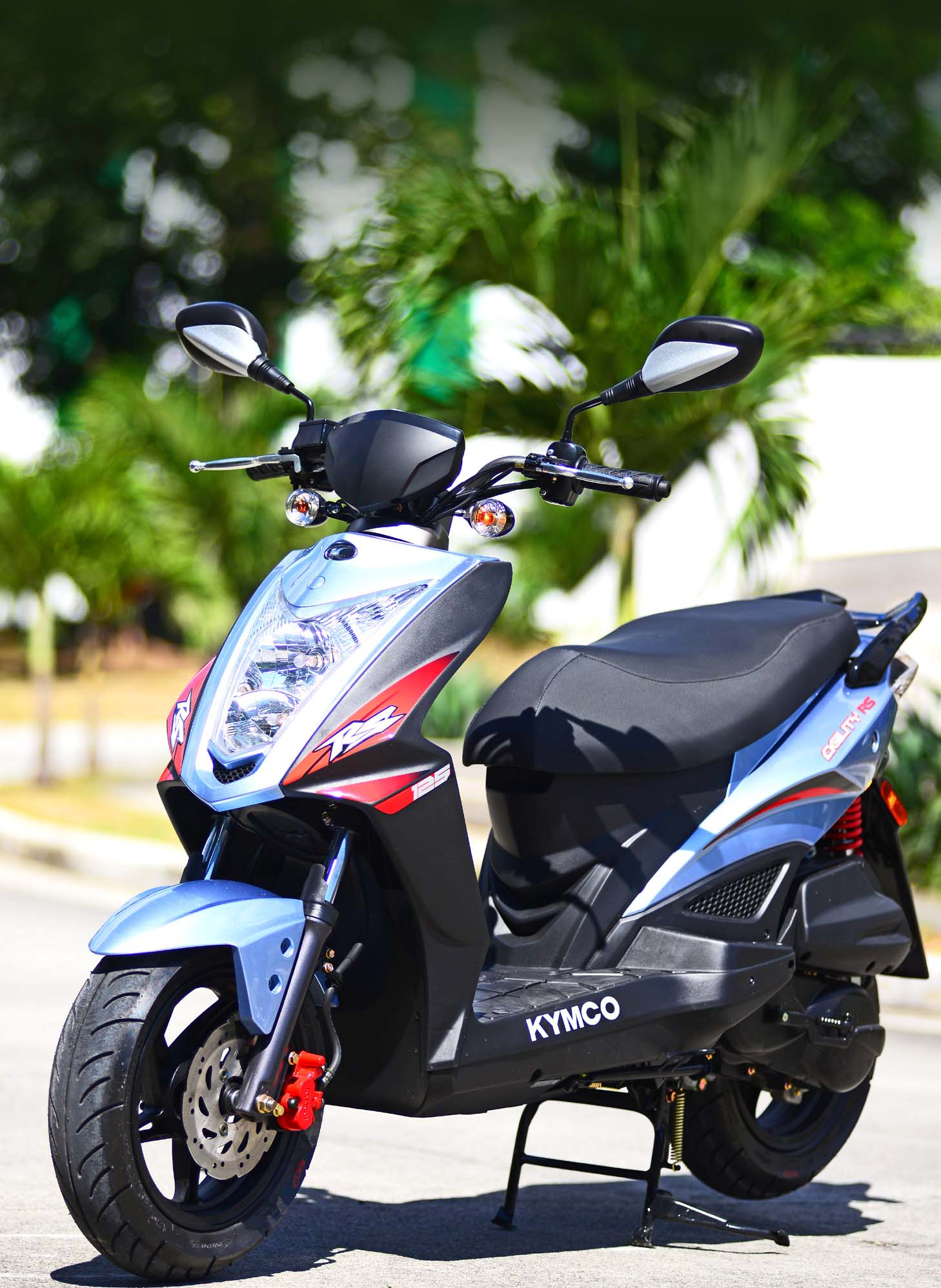 KYMCO AGIILITY RS 125: Naked Beauty Built for the Streets